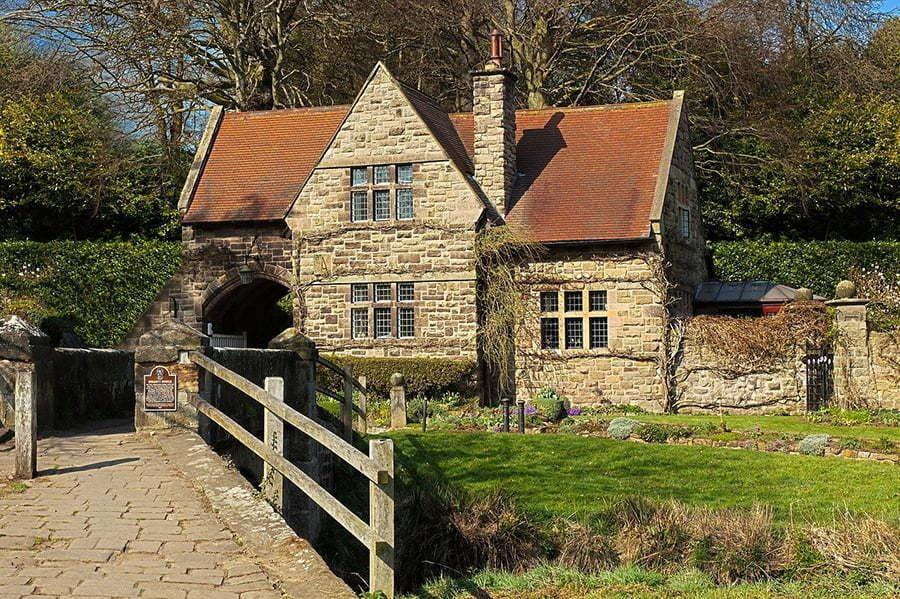 limestone-house-exterior-7302899